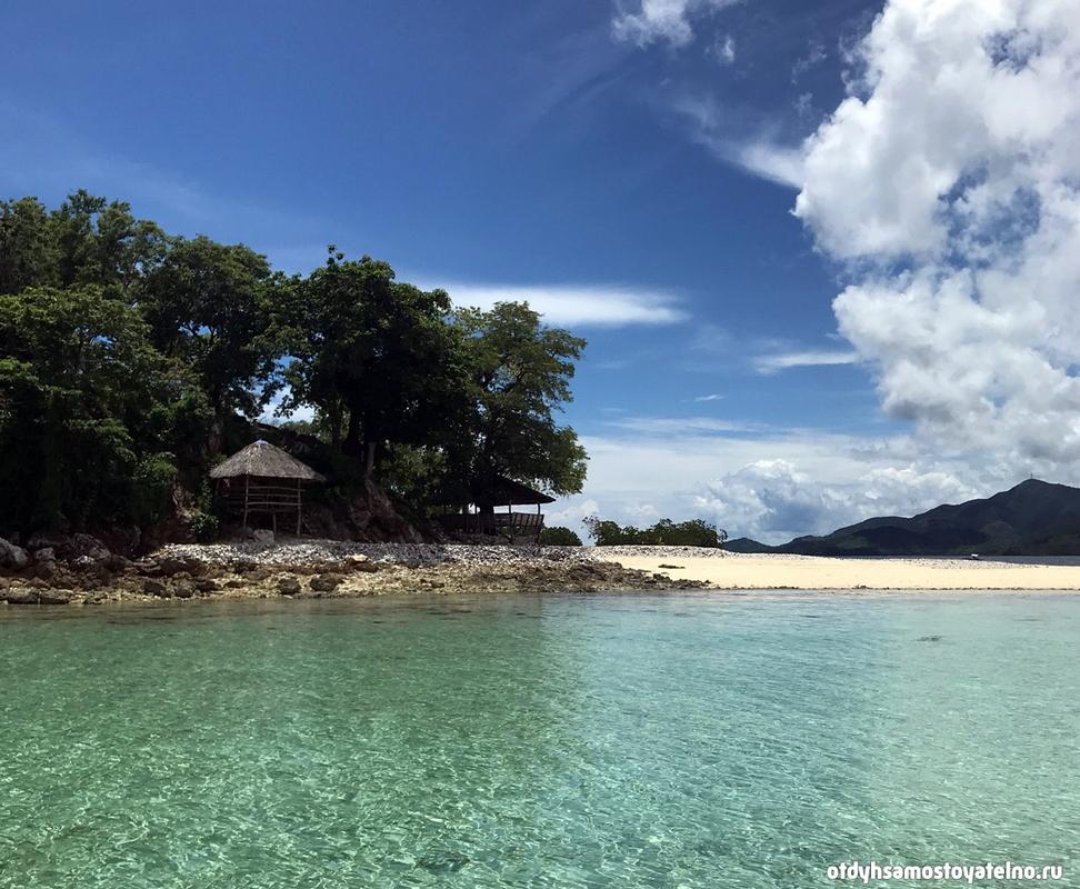 podplyvaya-k-ostrovu-cheron-philipiny