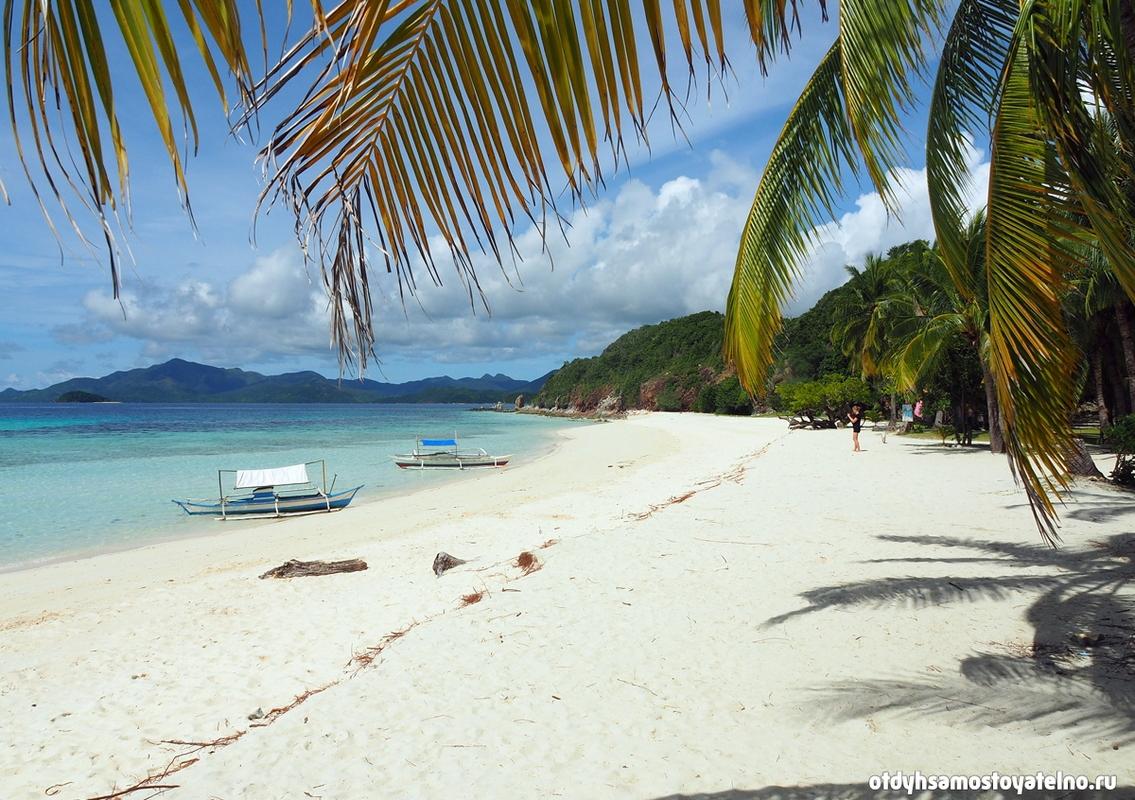 lodki-plyazh-ostrov-malcapuya-philipines