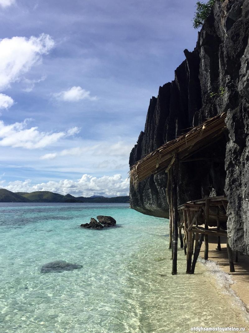 besedka-na-skalistom-plyazhe-banul-beach-philipiny