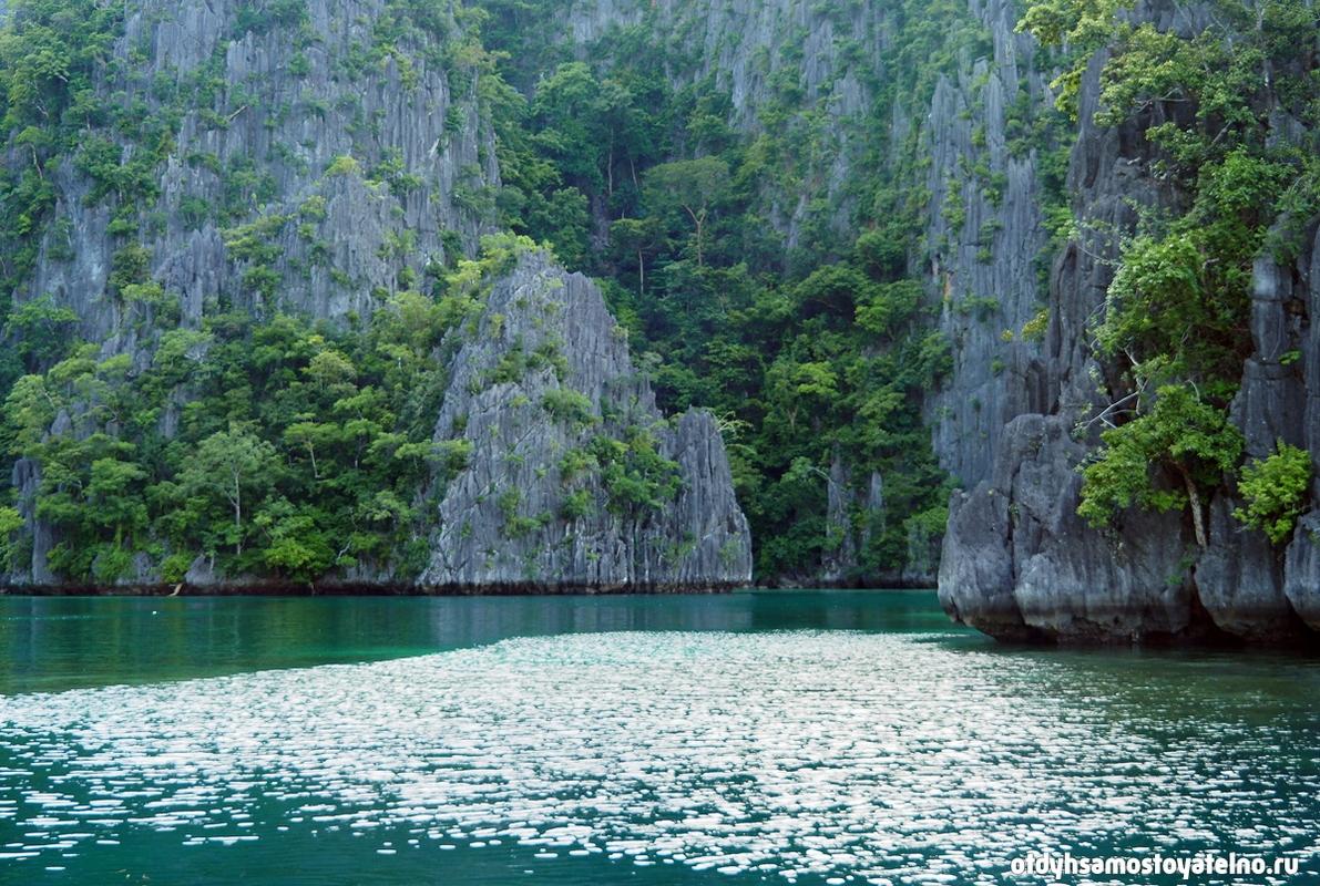 skaly-krasota-kayangan-lake