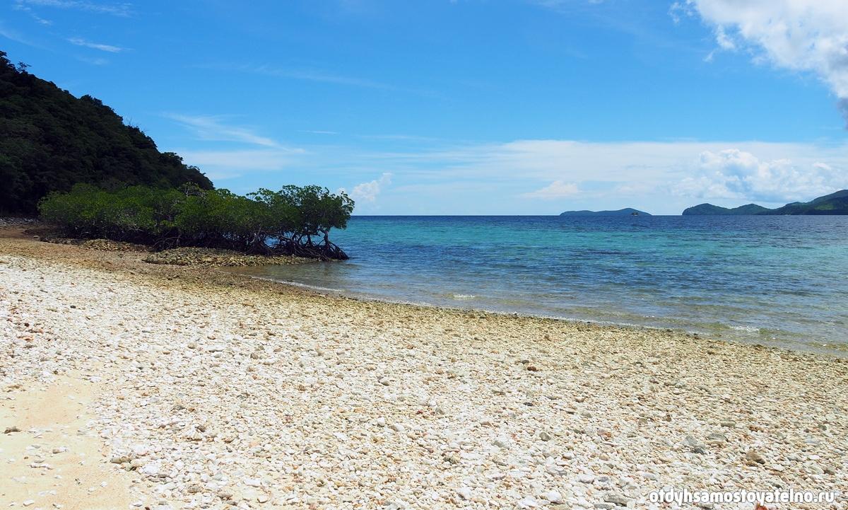 kamni-i-bitie-korraly-plyazh-cheron-island
