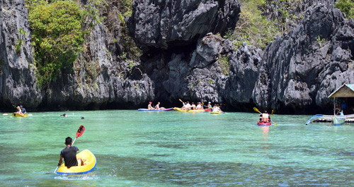 El Nido Hidden Beaches and Shrines Day Trip