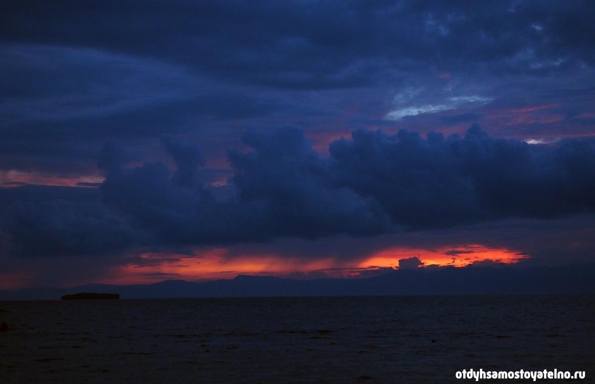 sunset_chili_bar_moalboal