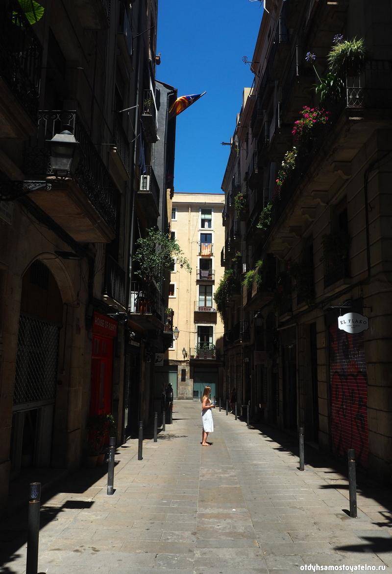 Готический квартал Барселоны - место, где можно делать фото на каждом шагу