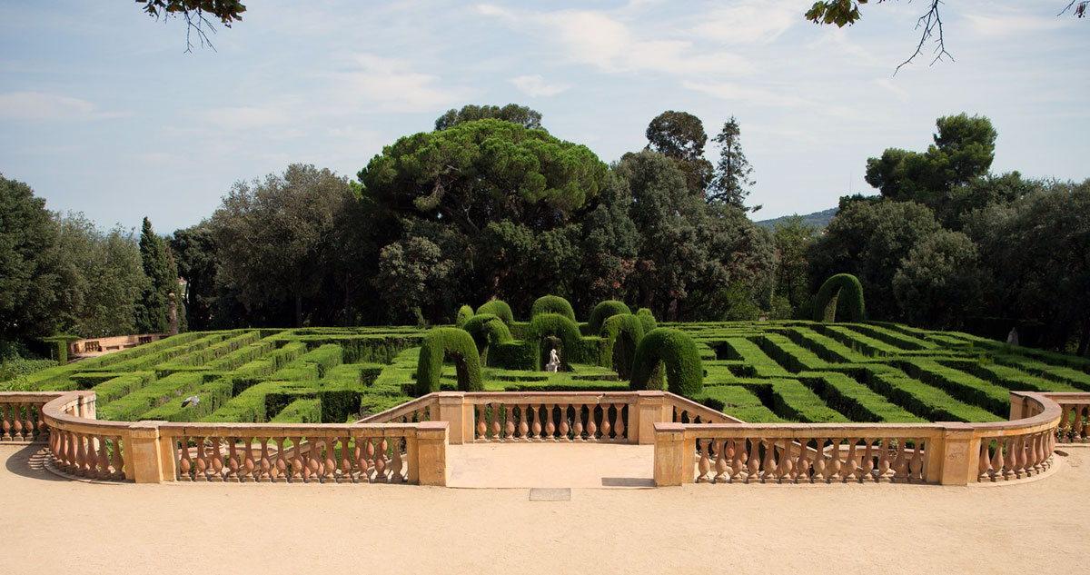 Ландшафтный лабиринт - здесь можно прогуляться и сделать фото на память о Барселоне