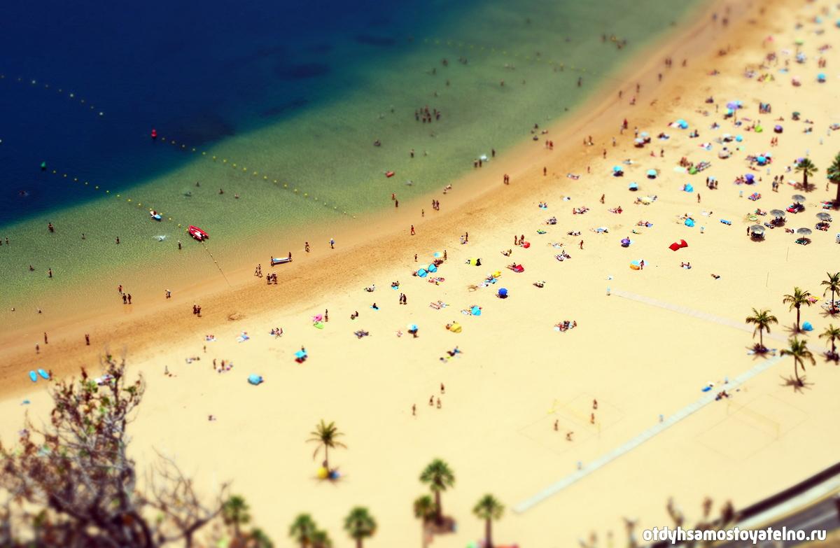 Известный песчаный пляж на Тенерифе