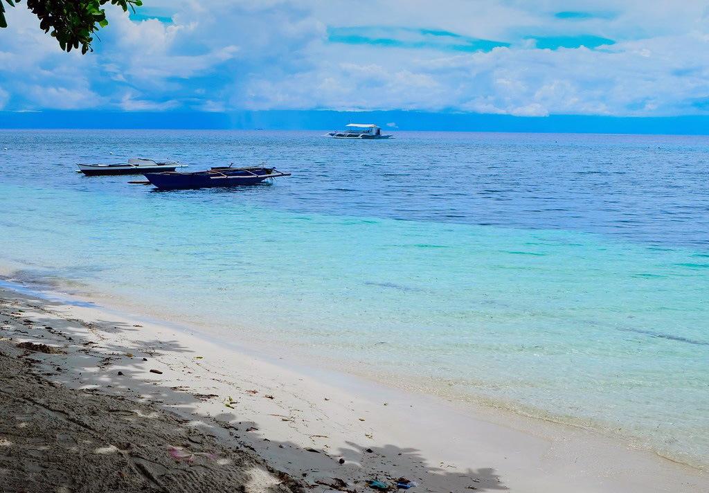 Пляж Момо Бич