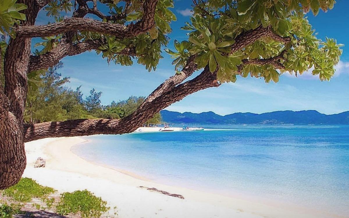 Пляж Anguib Beach