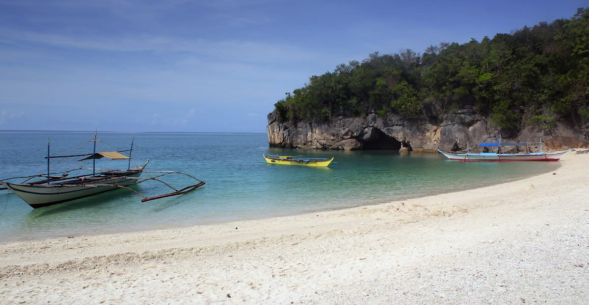 Пляж Kuwebang Lampas
