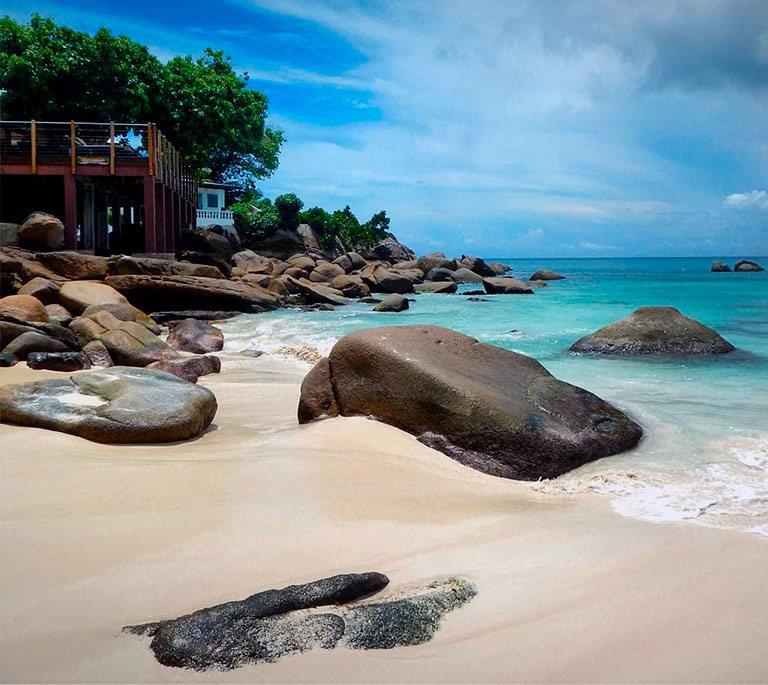 пляж anse soleil beach сейшельские острова маэ