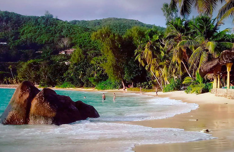 пляж anse takamaka сейшельские острова маэ