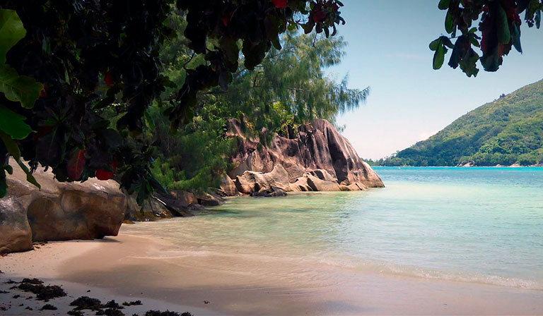 пляж port launay beach сейшелы маэ